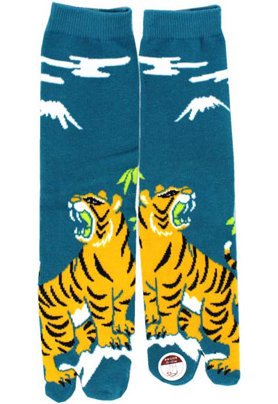 Tiger-with-Mt.-FUJI-Samurai-Tabi-Socks